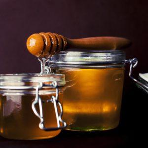 16 Ways Honey Benefits Your Beauty Routine