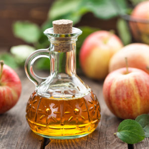 14 Amazing Apple Cider Vinegar Beauty Benefits