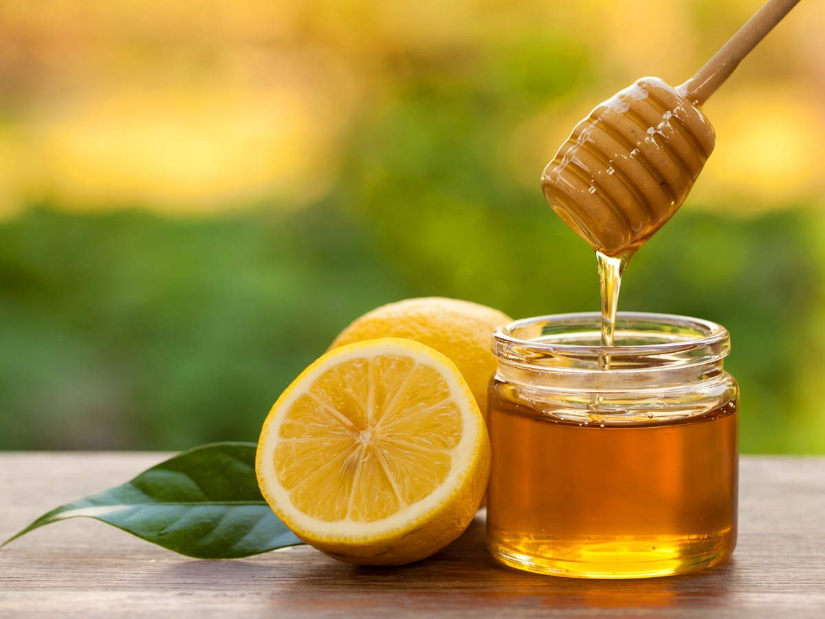 8 Outstanding Homemade Masks To Remove Sun Tan