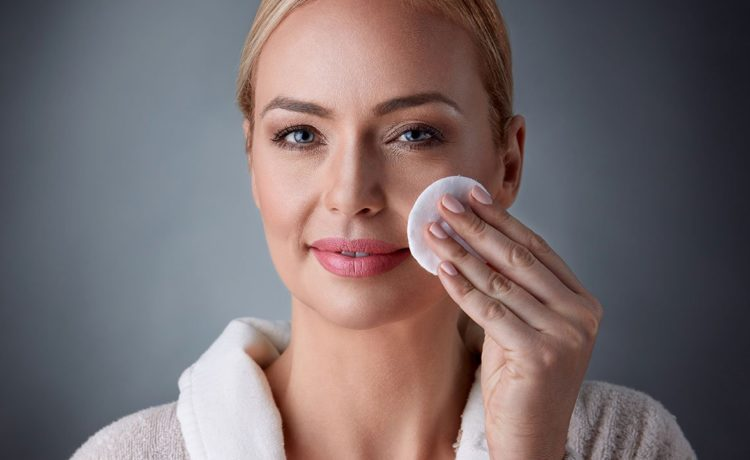 13 Excellent Natural Makeup Removers Which Saves Your Skin And Money