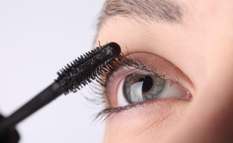 Top 10 Mascaras Available In India (2019)