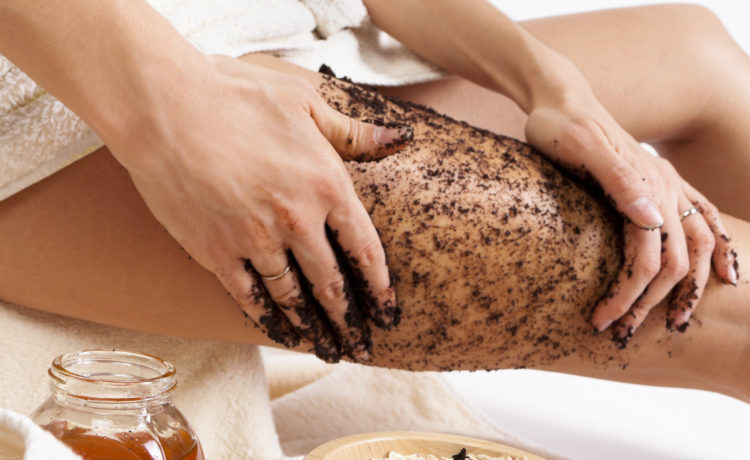Top 10 Body Scrubs Available In India (2019)